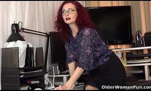 USA milf Veronica feels non-standard around nylon pantyhose